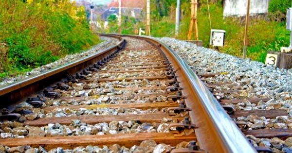 【※あなたは知っていましたか?】『なぜ線路には石が敷き詰められているの?』これにはあまり知られていない3つの理由があった!