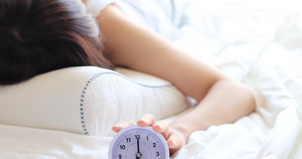 【※寝ても疲れがとれない方必見!】スマホだけじゃなかった!睡眠に影響する『寝る前にやってはいけないこと10選』