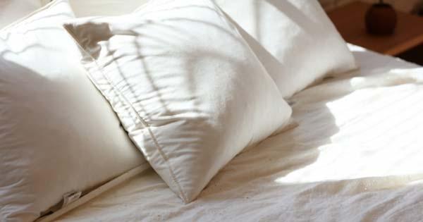 【※ゾッとする話】『デパートで買った枕があまりにも熟睡出来た』しかし何か違和感を覚えた私は、中身を見てみると・・・